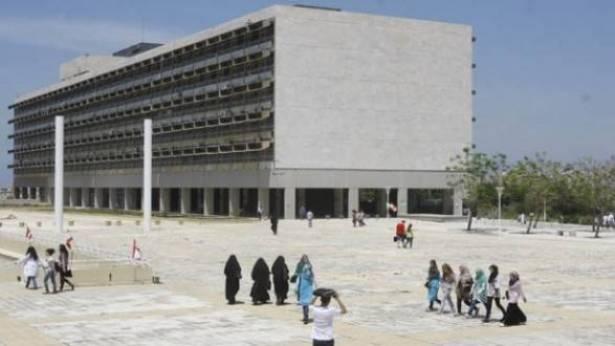 الجامعة اللبنانية: من كنف الدولة إلى وصاية الأحزاب السياسية