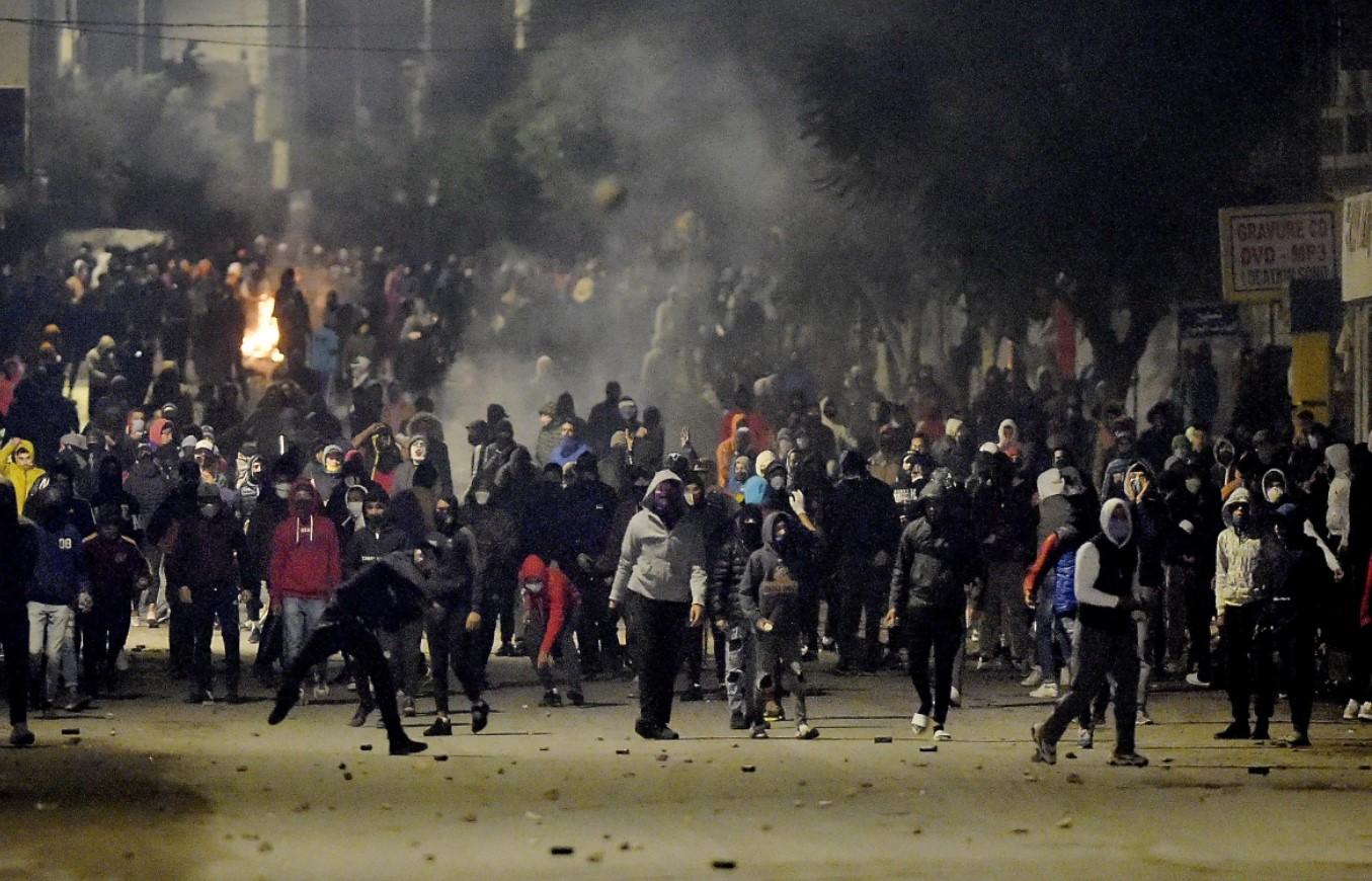 حراك شتاء تونس: تظاهرات بلا أفق مطلبي تؤكد عمق أزمة المجتمع