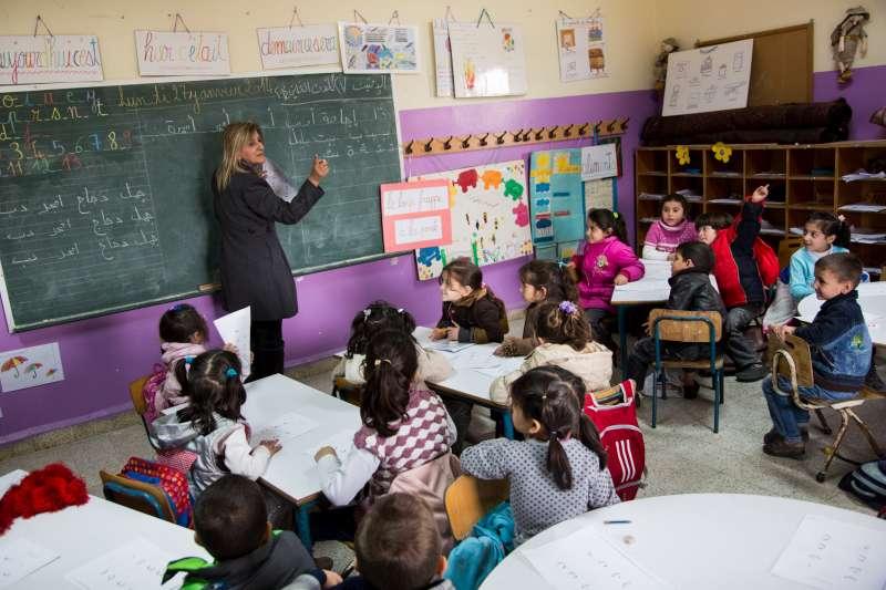 تعلّم اللاجئين في لبنان وأجور أساتذتهم: حقوق أخرى ضائعة