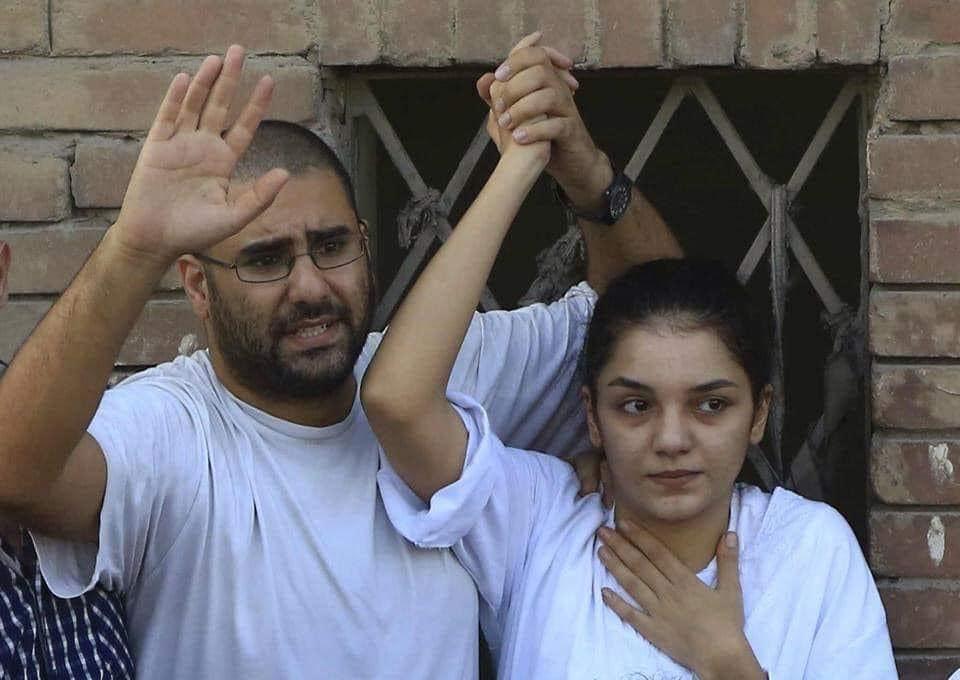 عنف وملاحقات ضد أسرة الناشط علاء عبد الفتاح في مصر