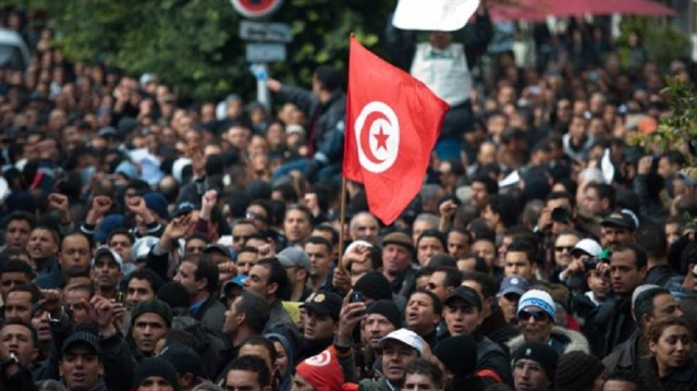 بعد تلكؤ وطول انتظار، نشر قائمة شهداء وجرحى الثورة في تونس