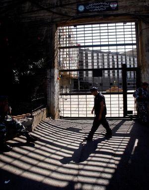 """لماذا تبدو """"قرينة الإدانة"""" أكثر جاذبية في لبنان؟"""