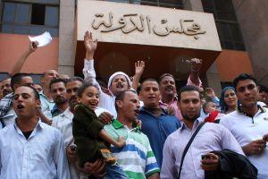 هكذا تصدت المحاكم الإدارية للسلطوية في مصر منذ انتخاب مرسي (حرية التعبير والتظاهر وانشاء جمعيات والحق بالعلاج واستقلال القضاء وترسيخ النظام الديمقراطي)