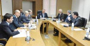 ياسين جابر: هدفنا ملاحقة عمل الوزراء اللجنة ضرورية في ظل الأوضاع الراهنة