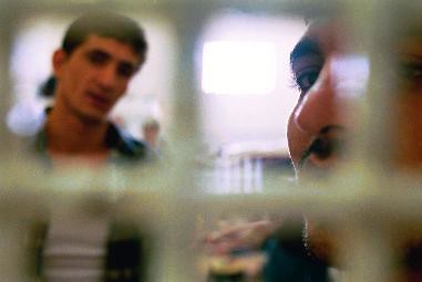الاعتقال الإداري الإسرائيلي: تطويع القانون بهدف الإخضاع والسيطرة