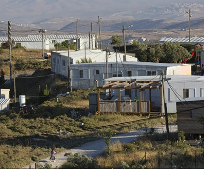 """محكمة الاحتلال العليا: القاضي """"الفلسطيني"""" والقانون في خدمة الاستعمار"""