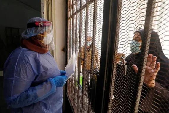 كيف دافعت النقابات الطبية في مصر عن حقوق منتسبيها في ظل كورونا؟