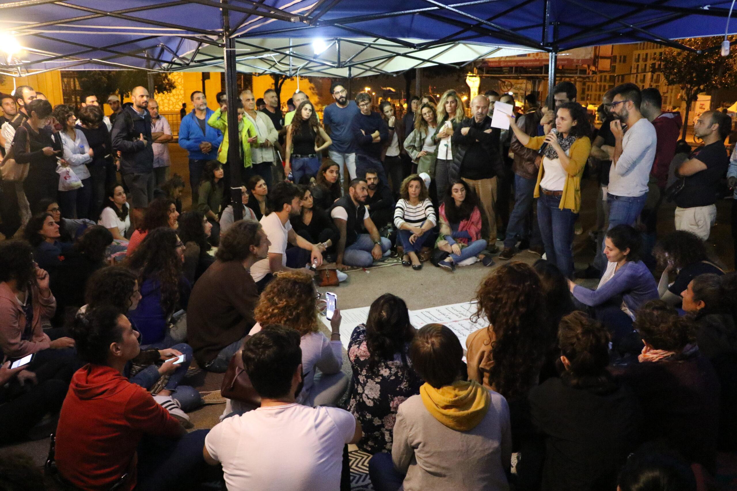 الخيم تجتاح الساحات في بيروت وطرابلس: رسم الإنتفاضة عبر مساحاتها الحوارية