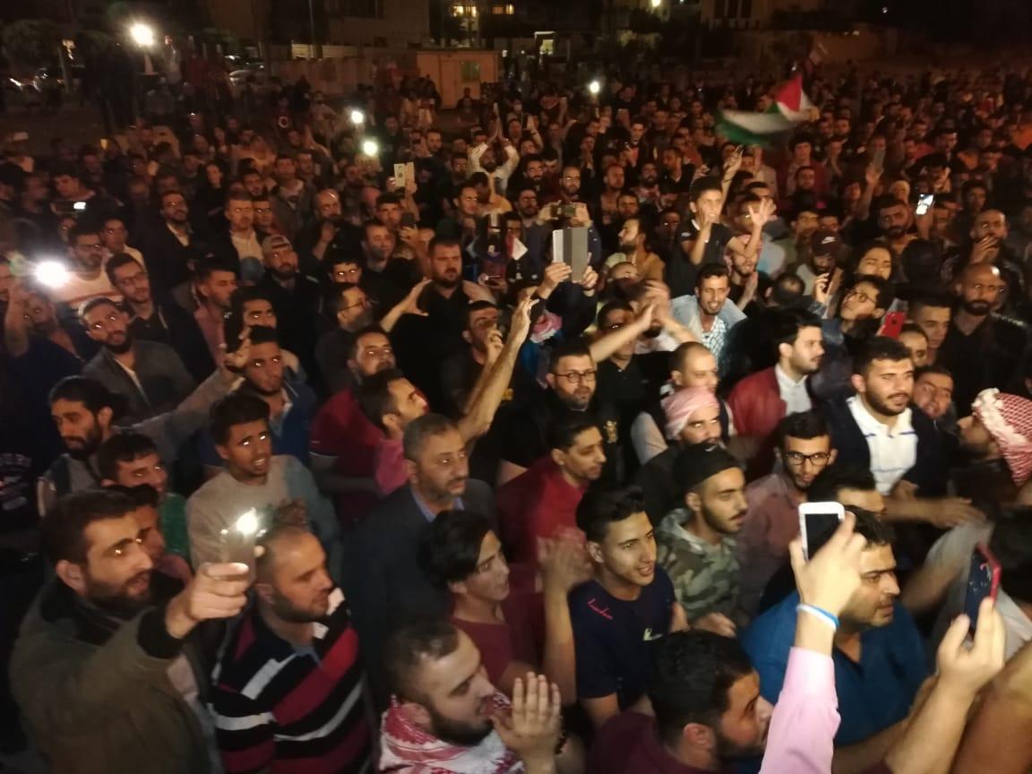"""""""الضريبة"""" تشعلُ """"إضرابا عاماً"""" ضد الحكومة: لكن، لماذا يحتج الأردنيون؟"""