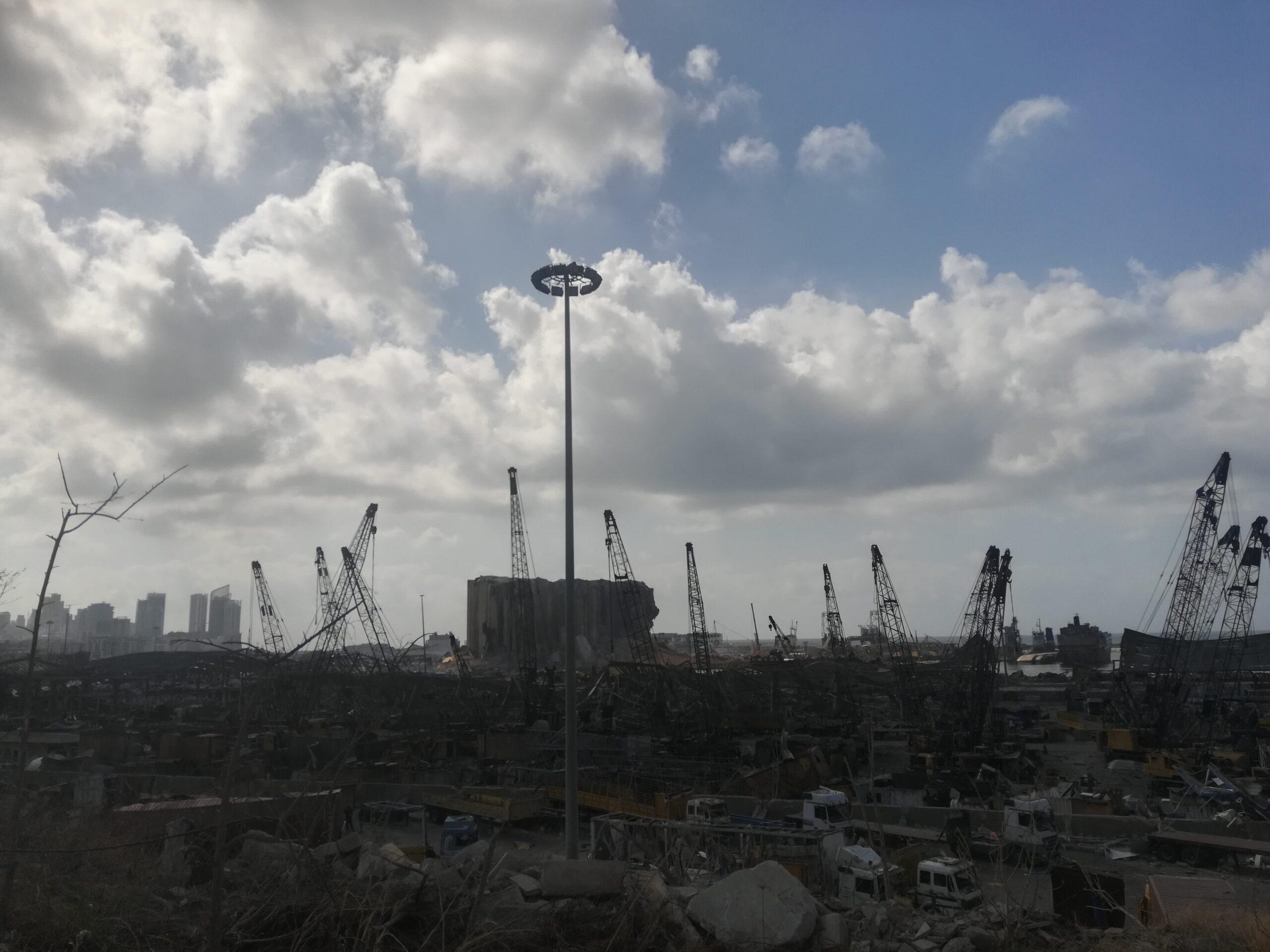 """شيكات مصرفية """"لا تُصرف"""" لأسر شهداء تفجير المرفأ: المصارف اللبنانية تميّز سلباً ضد ضحايا مجزرة بيروت"""