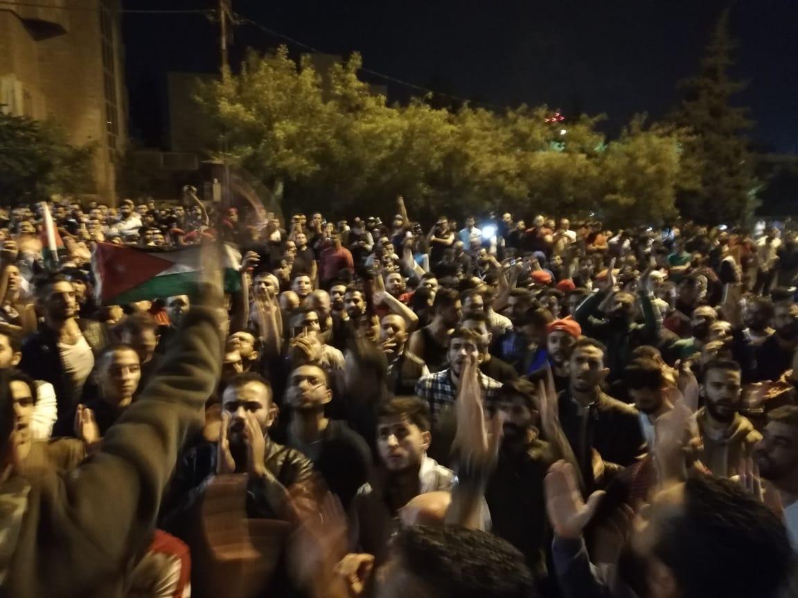 الحكومة الأردنية تستقيل بعد ضغط من الشارع