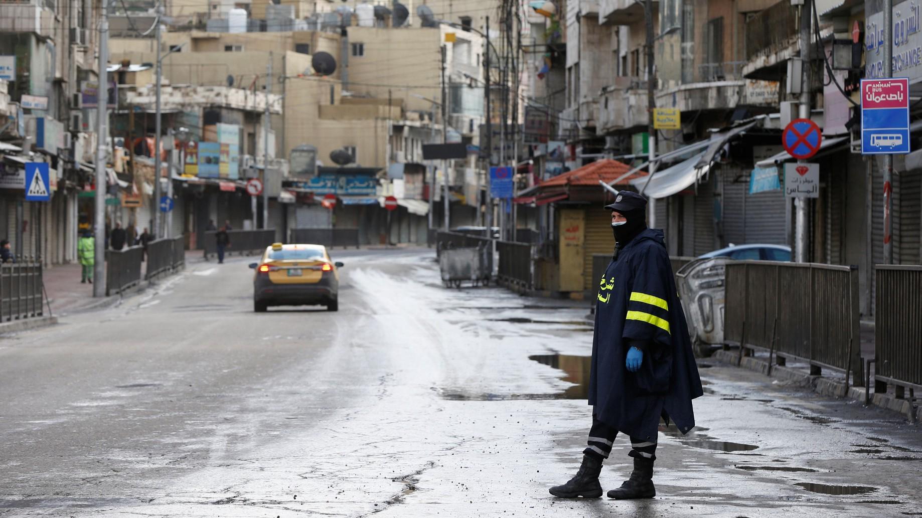 لبنان والأردن أمام تحدّيات الوباء: ما العمل في ظلّ أزمة صحّية ومعيشية في غياب فرص الاستدانة؟