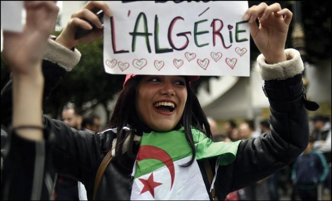 بعد مصر والسودان، الأمن الجزائري يهين شرف النساء بهدف إقصائهن عن الحراك العام