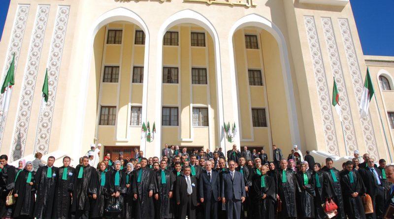 نادي قضاة الجزائر ينشأ في ظل الحراك ولدعمه: نرفض الإشراف على انتخابات الرئاسة