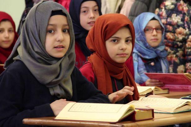تطور أنظمة التعليم التركية: أدلجة التعليم والإملاءات الغربية وحقوق المرأة