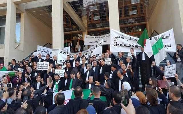 النقابة الوطنية للقضاة بالجزائر تشكل مجموعة عمل مع وزارة العدل لدراسة ملفها المطلبي