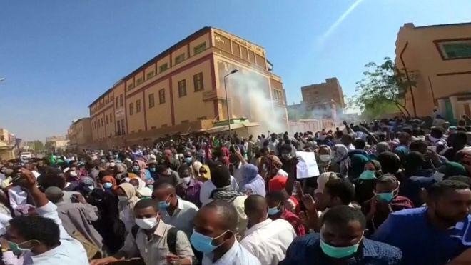 الرصاص المجهول وقصة المتظاهرين في السودان