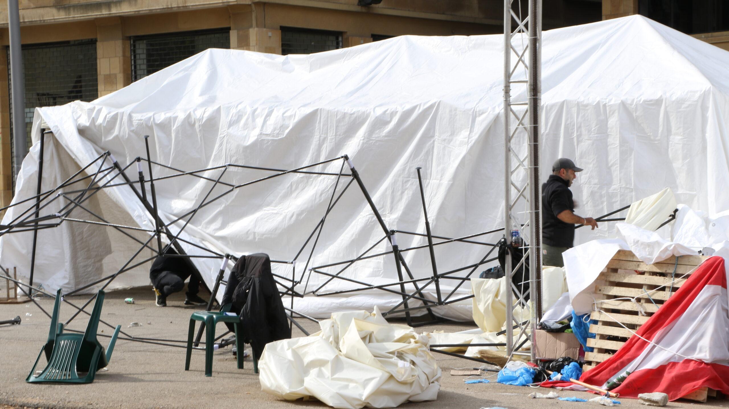 مناصرو الأحزاب يهاجمون المتظاهرين مجدداً في بيروت.. وإعلام السلطة يلوم الانتفاضة على حادثة الجيّة