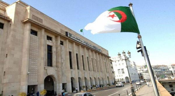 المصادقة على تعديل قانون القضاء العسكري بالجزائر